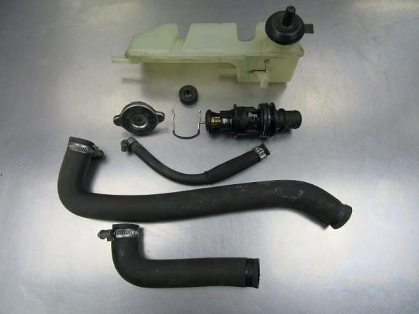 BMW F650CS Thermostat Kühlwasserausgleichsbehälter Schläuche F 650 CS