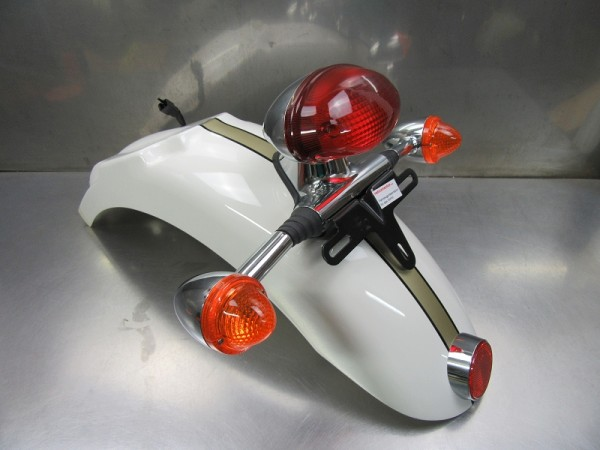 Triumph Bonneville T100 original Kotflügel hinten komplett mit Rücklicht und Blinker weiß